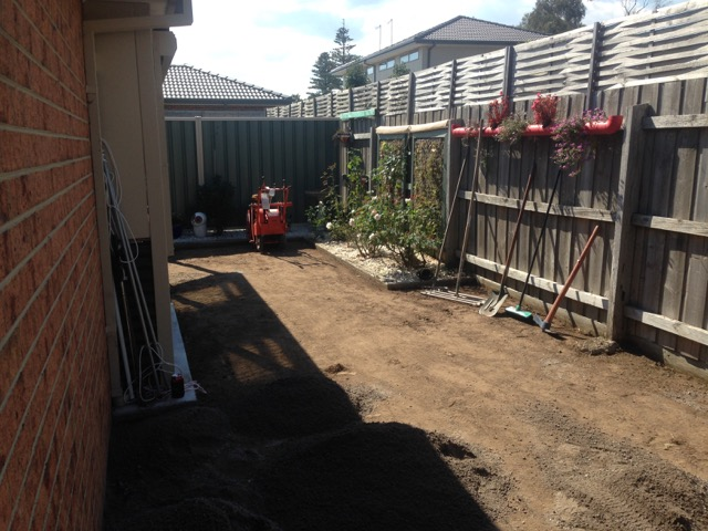Diging out back garden for the installtion of synthetic grass