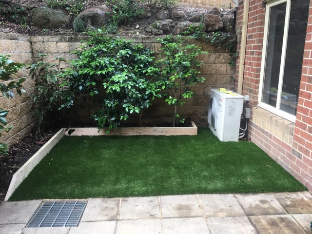 Doncaster Retirement Village - Sleeper edge with synthetic grass by Peninsula Synthetic Grass