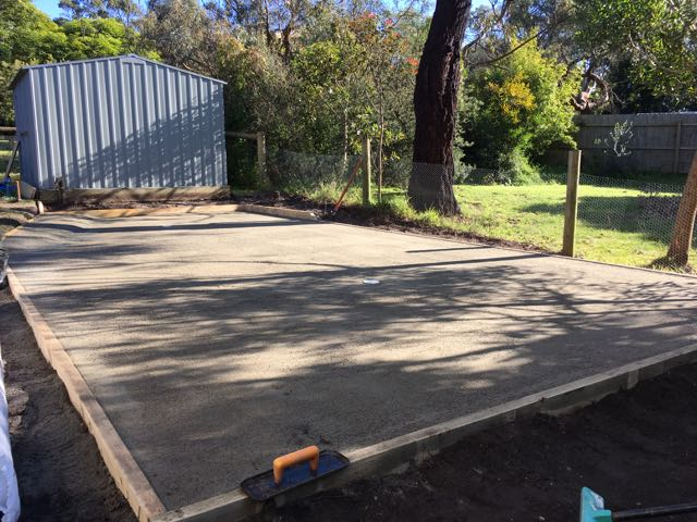 Completed crushed rock and crusher dust base for putting green installation